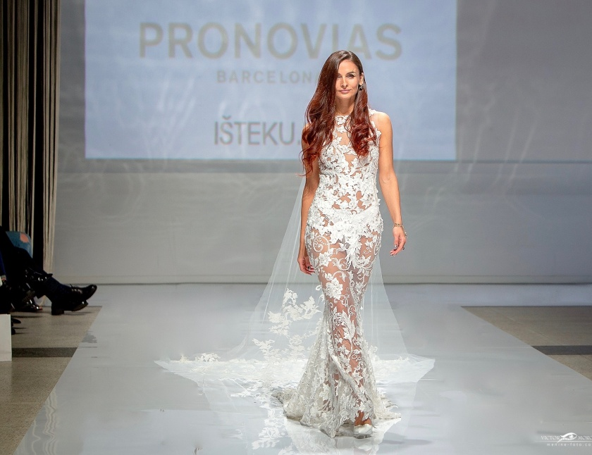 PRONOVIAS Isteku lt wedding Fashion Show