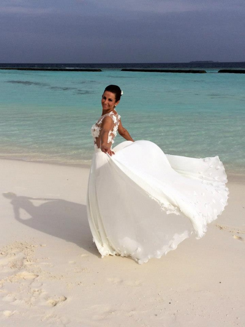 1404315563Kristi_Andress_wedding_dress_and_accessories._Miglė_2014._Maldives.jpg